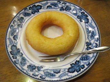 手作りドーナツ 120円