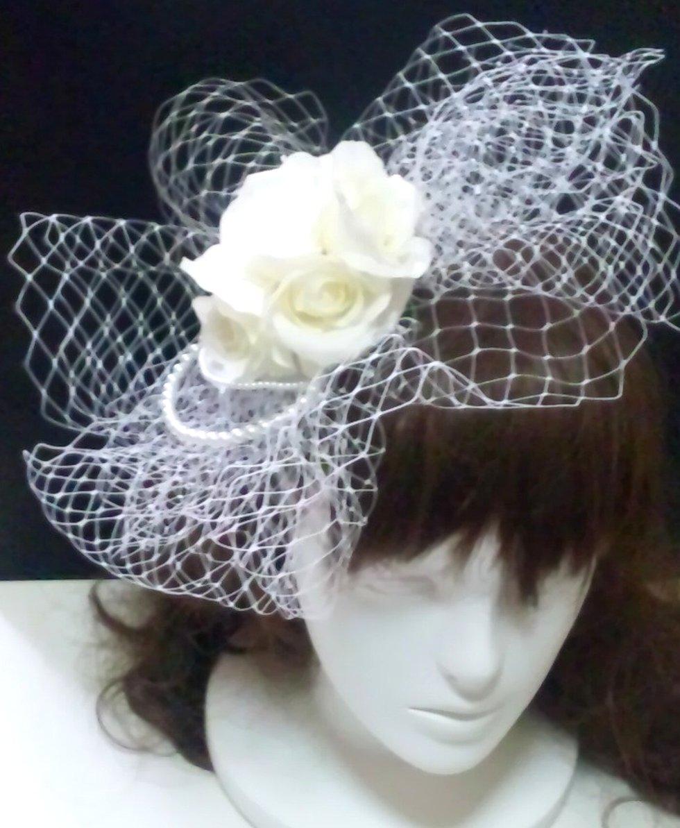 チュールベール 帽子のようなヘッドドレス
