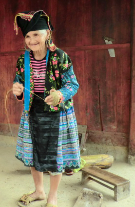 Hmong old lady