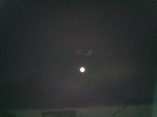 大きくなってきた月