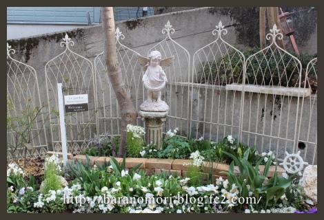 庭の花 ホワイトガーデン 20130401