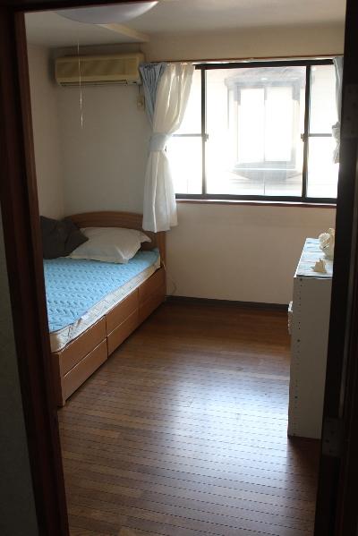 兄1号の部屋 20130709  コンセントカバー