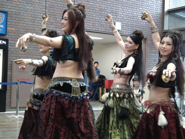 AL CAMARANi-docによるベリーダンス(3)