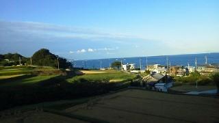 釣り船と海