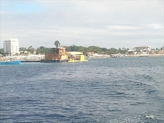 南国お気楽ひとり暮らし-セブ島 潜水艦