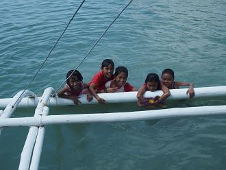 南国お気楽ひとり暮らし-セブ ローカルビーチ 子供達