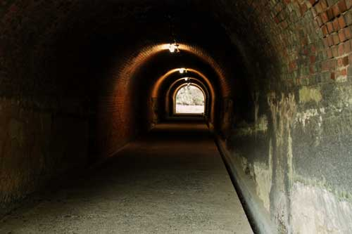 トンネル10