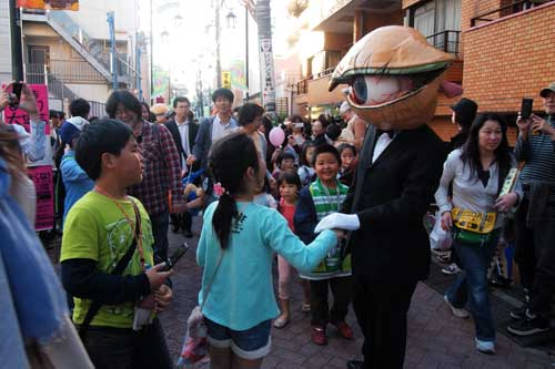 大道芸人と子供達2