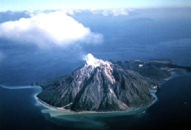 硫黄島の擂鉢山
