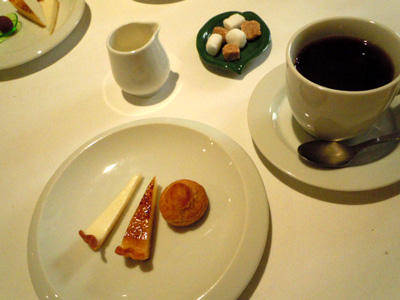 小菓子と珈琲