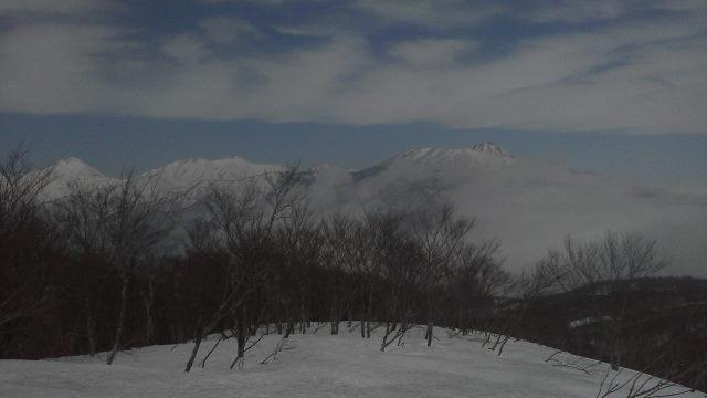 08 頚城三山を見ながら滑走開始