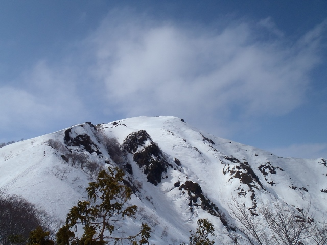 008残雪の谷川岳
