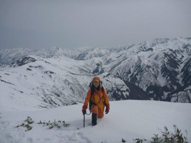 16蓬峠から朝日岳方面の展望