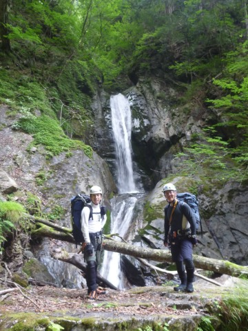 10ゴンザの滝