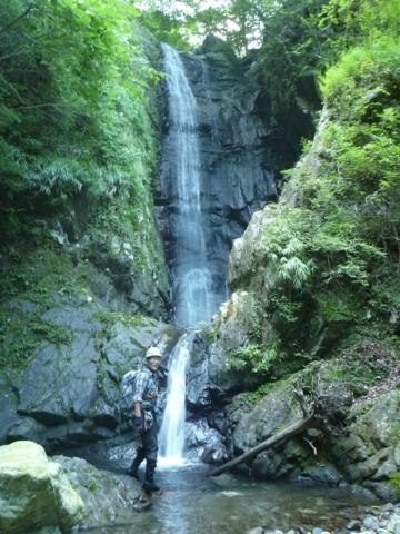 08エビラ沢最大の白滝20mは右から高巻き