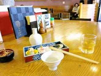 13-6-3 店内テーブル