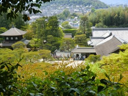 35庭より京都の風景