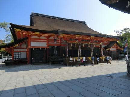 4八坂神社拝殿
