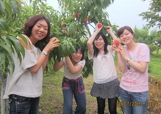 桃摘みは嬉しい