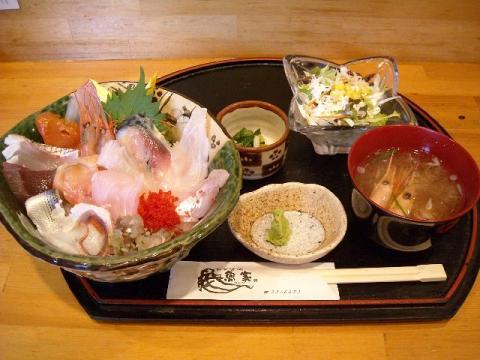 魚家・海鮮丼