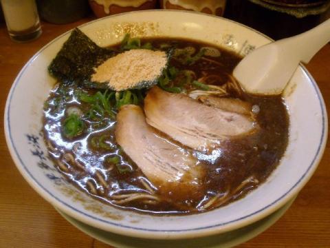 博多人情・魚節とんこつラーメン