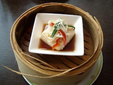 桃季・海鮮と豆腐の蒸し物