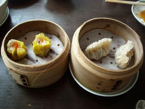 桃季・ふかひれ蒸し餃子・蟹卵焼売2