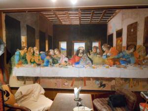フレームハウスの大きい絵画