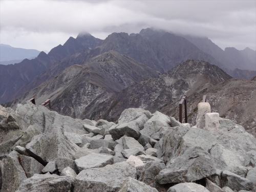 穂高連峰への縦走路