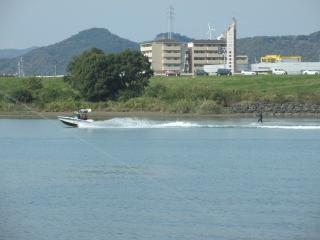 river_ski.jpg