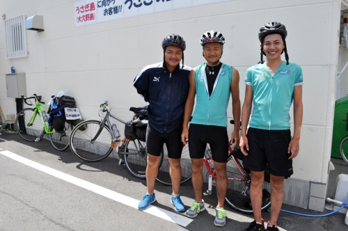 3broth_cyclists.jpg