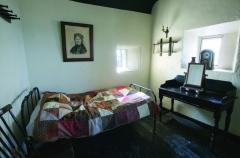 Ghost-Room-800x527.jpg