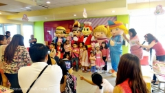 jollibee-hello-kitty-parties.jpg