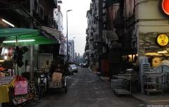 kuala-lumpur-alley-near-jalan-alor.jpg