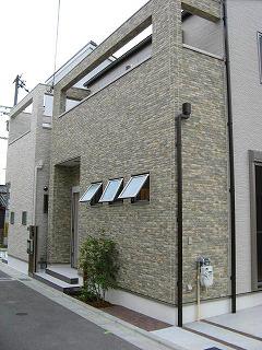 yasuda_facade0601_2013_1.jpg