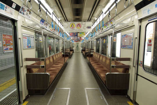 20130706_osaka_subway_66n-in01.jpg