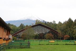 富士山と会場の外観