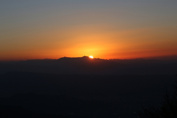 妙高に夕日が沈む