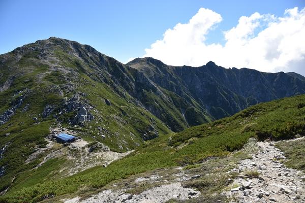 木曽前岳から木曽駒を望む