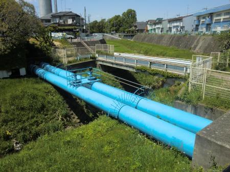 横浜水道・鳩川水管橋