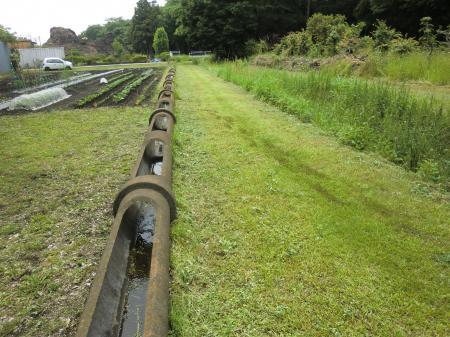 畑かん西幹線用水路セグメントパイプ・相模原麻溝公園東交差点付近