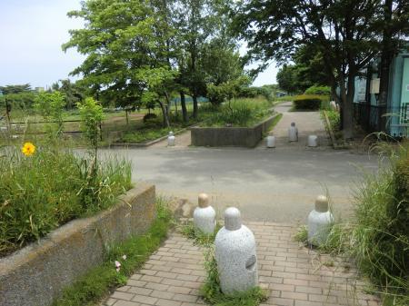 畑かん西幹線用水路・南区新磯野