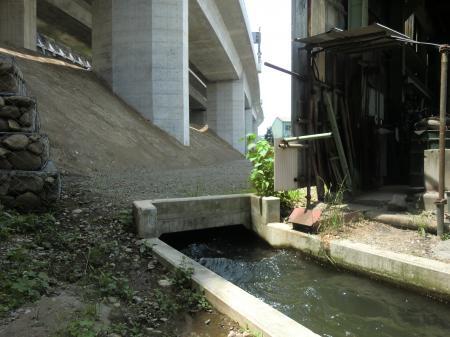 六倉幹線水路暗渠出口