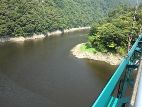 名手橋から見た津久井湖
