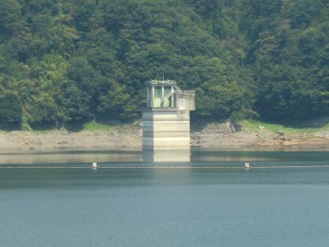 城山発電所放水塔