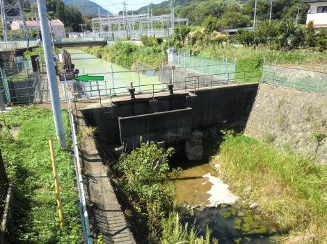 東京電力内山発電所放水路