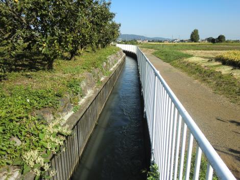 文命用水・相生橋付近支線用水路