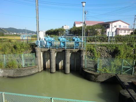 酒匂左岸用水取水口