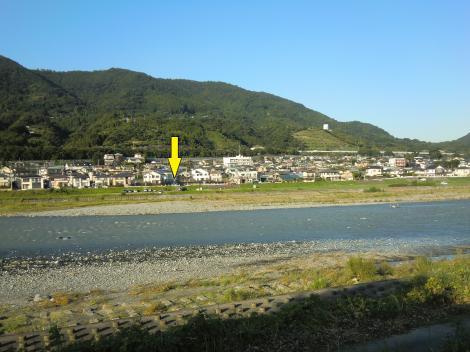 酒匂川サイフォン呑口から対岸を望む
