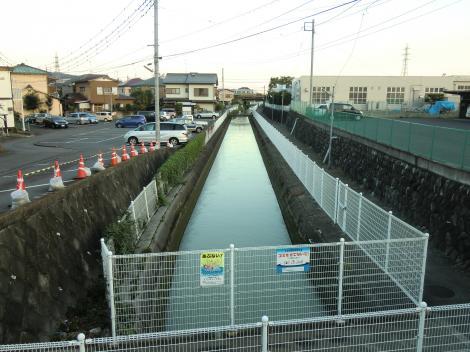 酒匂川左岸用水・松田郵便局付近宮前橋